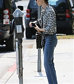 Lily_Collins_Visiting_Salon_August_25_0029.jpg